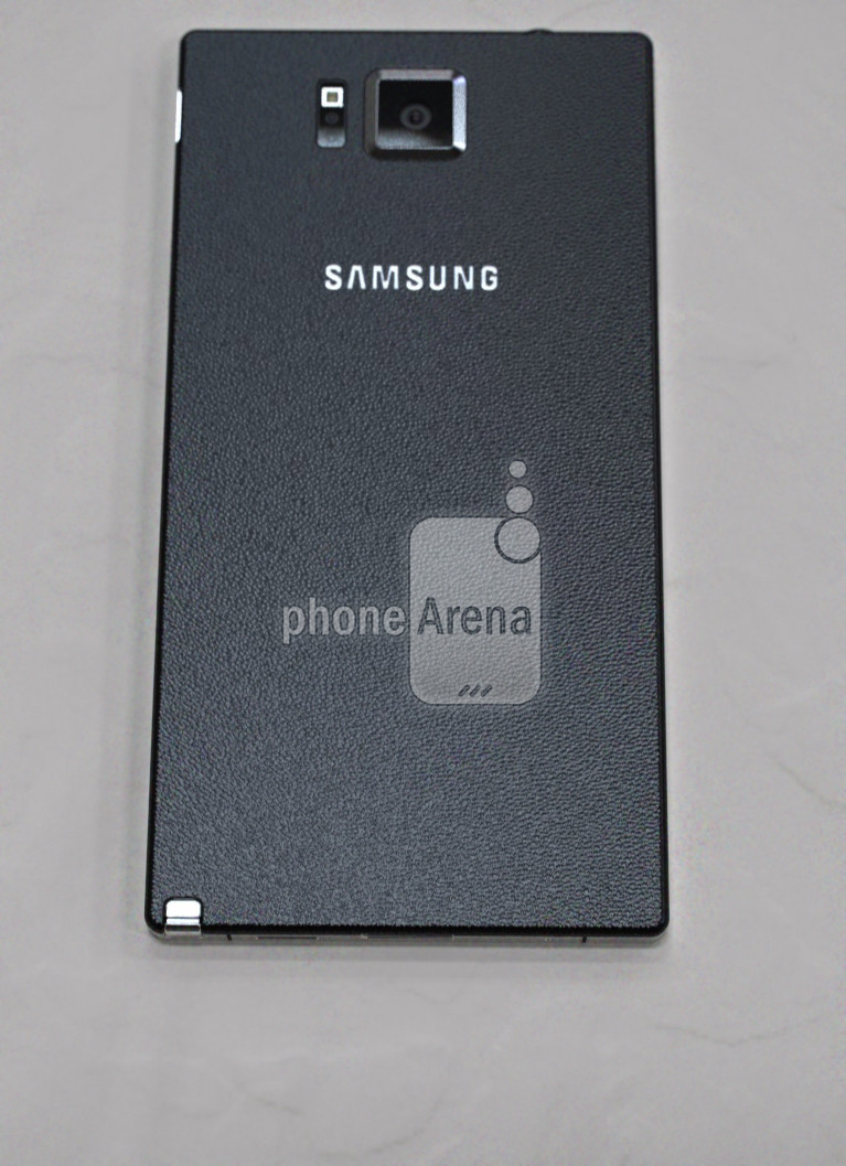 Earlier leak of the Samsung Galaxy Note 4 2 - UPDATED : LEAKED : Samsung Galaxy Note 4 with Metal Bezels, Redesigned S-Pen and Retail Box