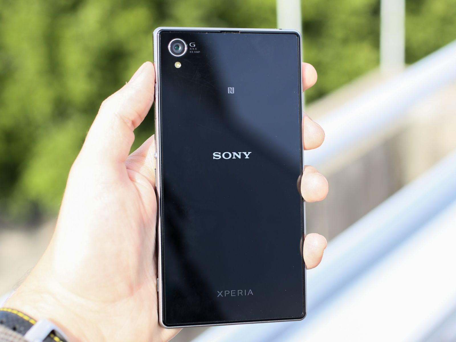 sony xperia z1 2 - Sony Xperia Z1 and Z Ultra Android 4.3 rollout begins, Smart Social Camera comes to the Z Ultra