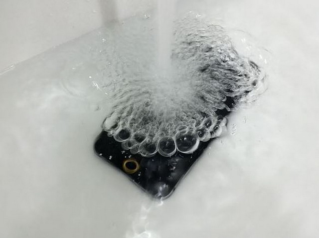 iPhone6_Waterproof_AndroDollar (4)