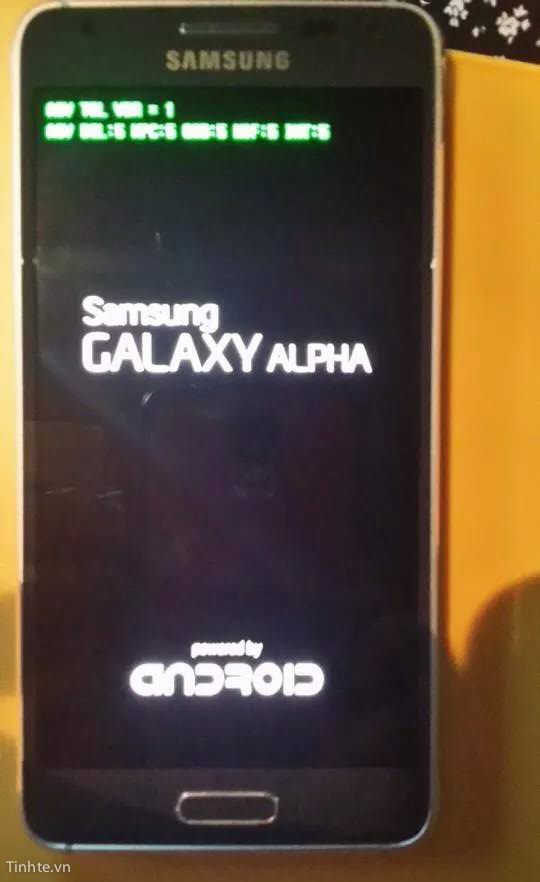 2543624 Tinhte Galaxy F Leak  3 - UPDATED : LEAKED : Samsung Galaxy Alpha Live Photos