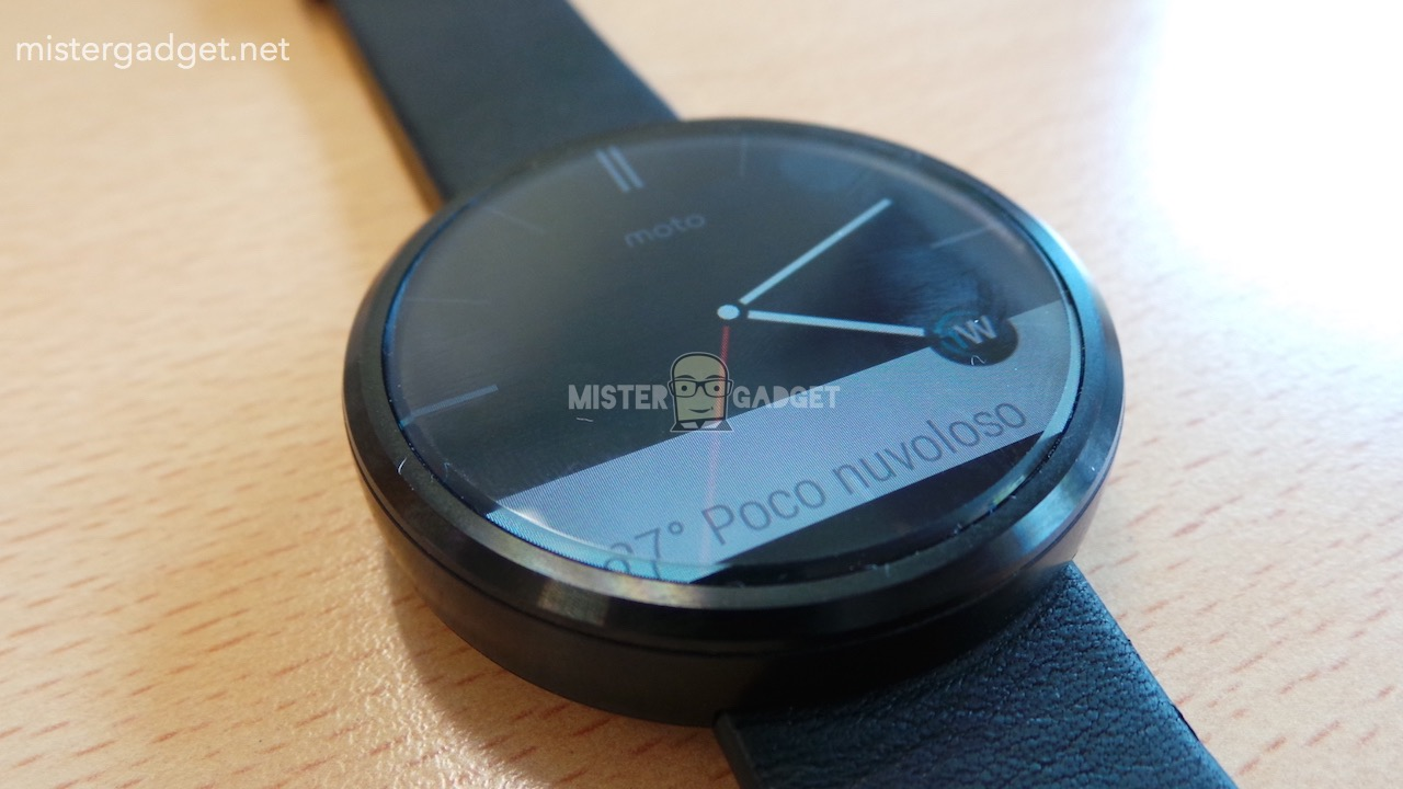 Moto360 Leaked AndroDollar 1 - LEAKED : Moto 360 will be Waterproof, will feature Wireless Charging and a Heart Rate Sensor
