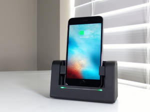 AutoDock with 6Splus window 300x225 - The AutoDock - Awesome Dock for your Smartphone [AD]
