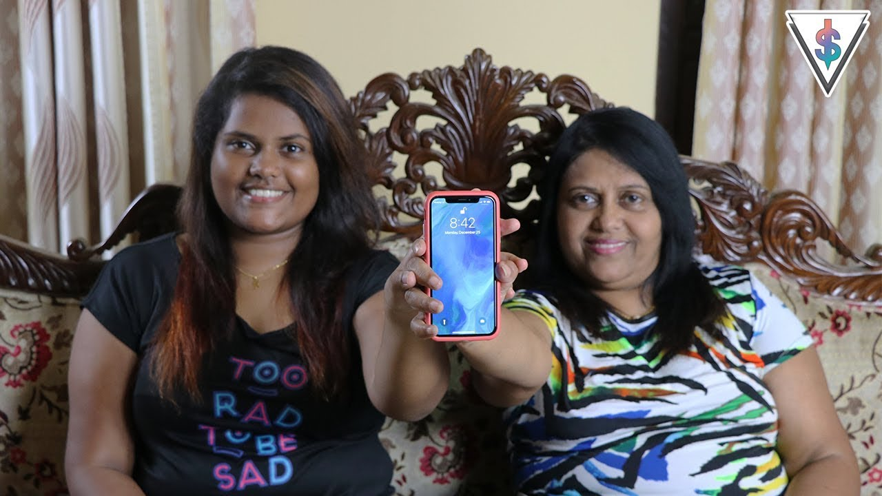 Daughter unlocks moms iPhone X